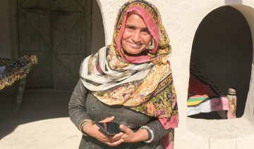 A community midwife with her trusty smartphone.
